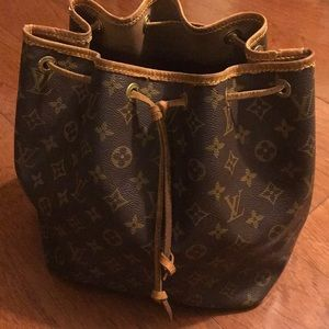 Authentic Louis Vuitton Petit Noe